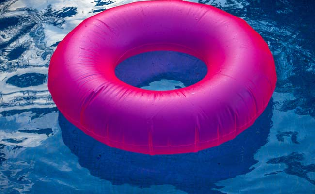 Learn The Best Ways To Keep Your Blow-Up Pool Clean