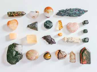 How to Meditate With Crystals?